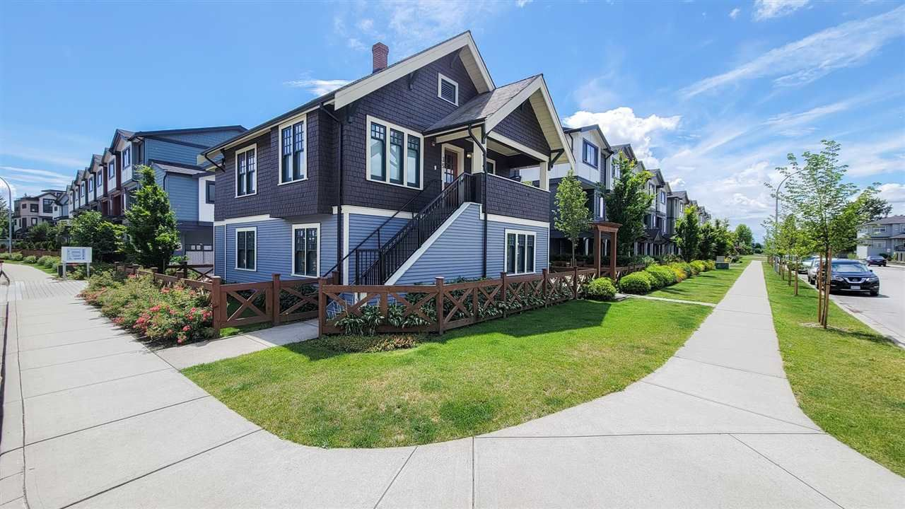 Main Photo: 35 188 WOOD STREET in New Westminster: Queensborough Townhouse for sale : MLS®# R2593410