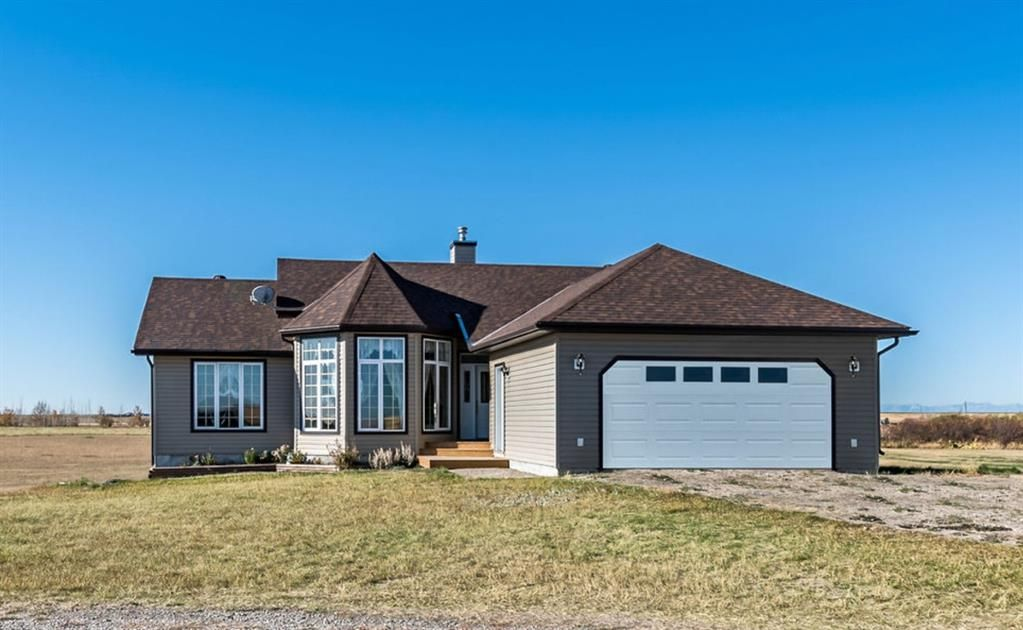 Main Photo: 272159 338 Avenue E: Rural Foothills County Detached for sale : MLS®# A1151839