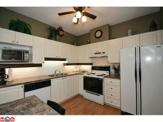 """Photo 6: 306 5646 200TH Street in Langley: Langley City Condo for sale in """"CAMBRIDGE COURT"""" : MLS®# F1026296"""