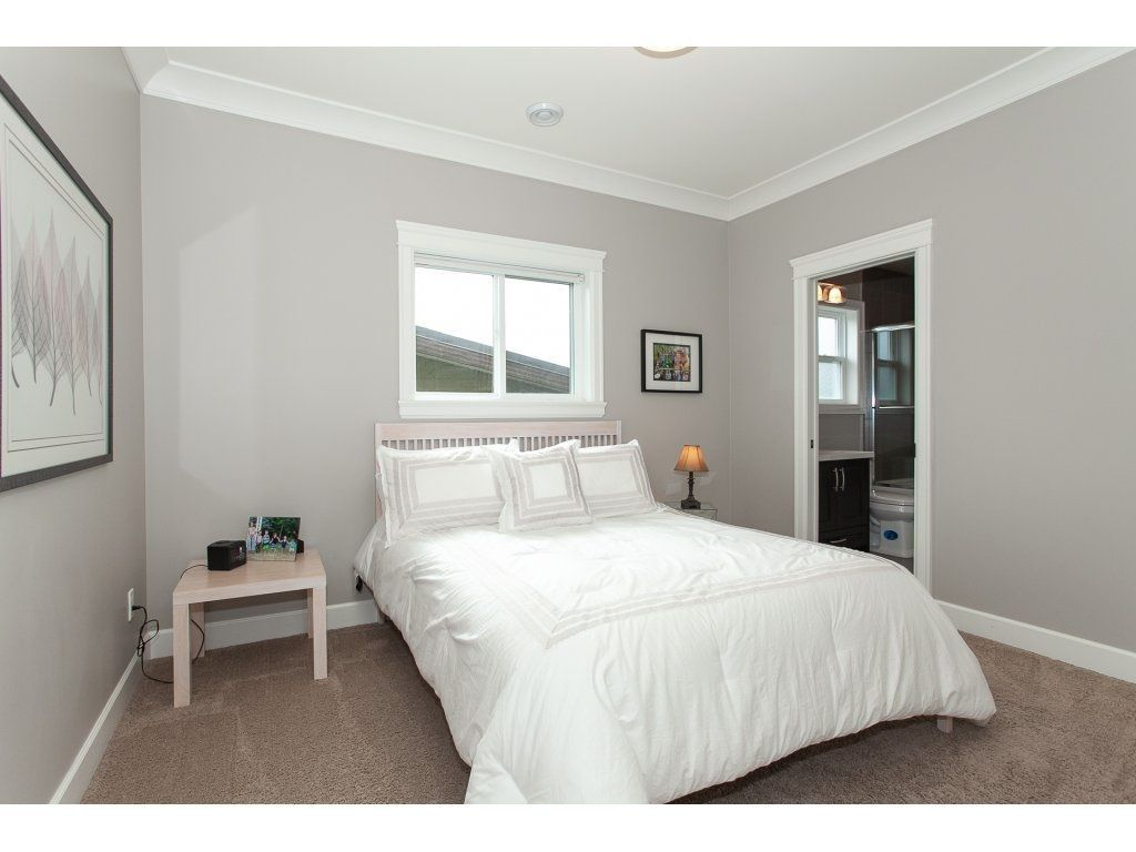 Photo 16: Photos: 1413 130 Street in Surrey: Crescent Bch Ocean Pk. House for sale (South Surrey White Rock)  : MLS®# R2311122