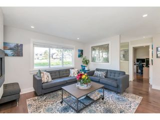 """Photo 5: 431 CATALINA Crescent in Richmond: Sea Island House for sale in """"BURKEVILLE"""" : MLS®# R2562930"""