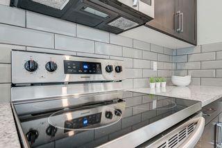 Photo 16: 235 39 Avenue NW in Edmonton: Zone 30 House Half Duplex for sale : MLS®# E4261907