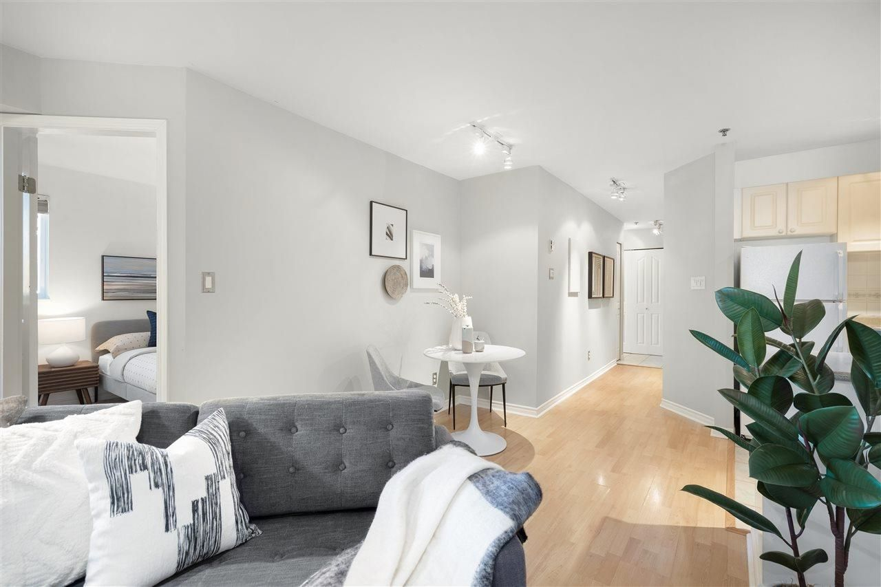 Main Photo: 310 2025 STEPHENS Street in Vancouver: Kitsilano Condo for sale (Vancouver West)  : MLS®# R2603527