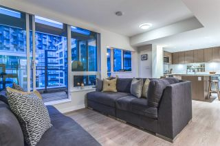 """Photo 7: PH615 161 E 1ST Avenue in Vancouver: Mount Pleasant VE Condo for sale in """"BLOCK 100"""" (Vancouver East)  : MLS®# R2195060"""