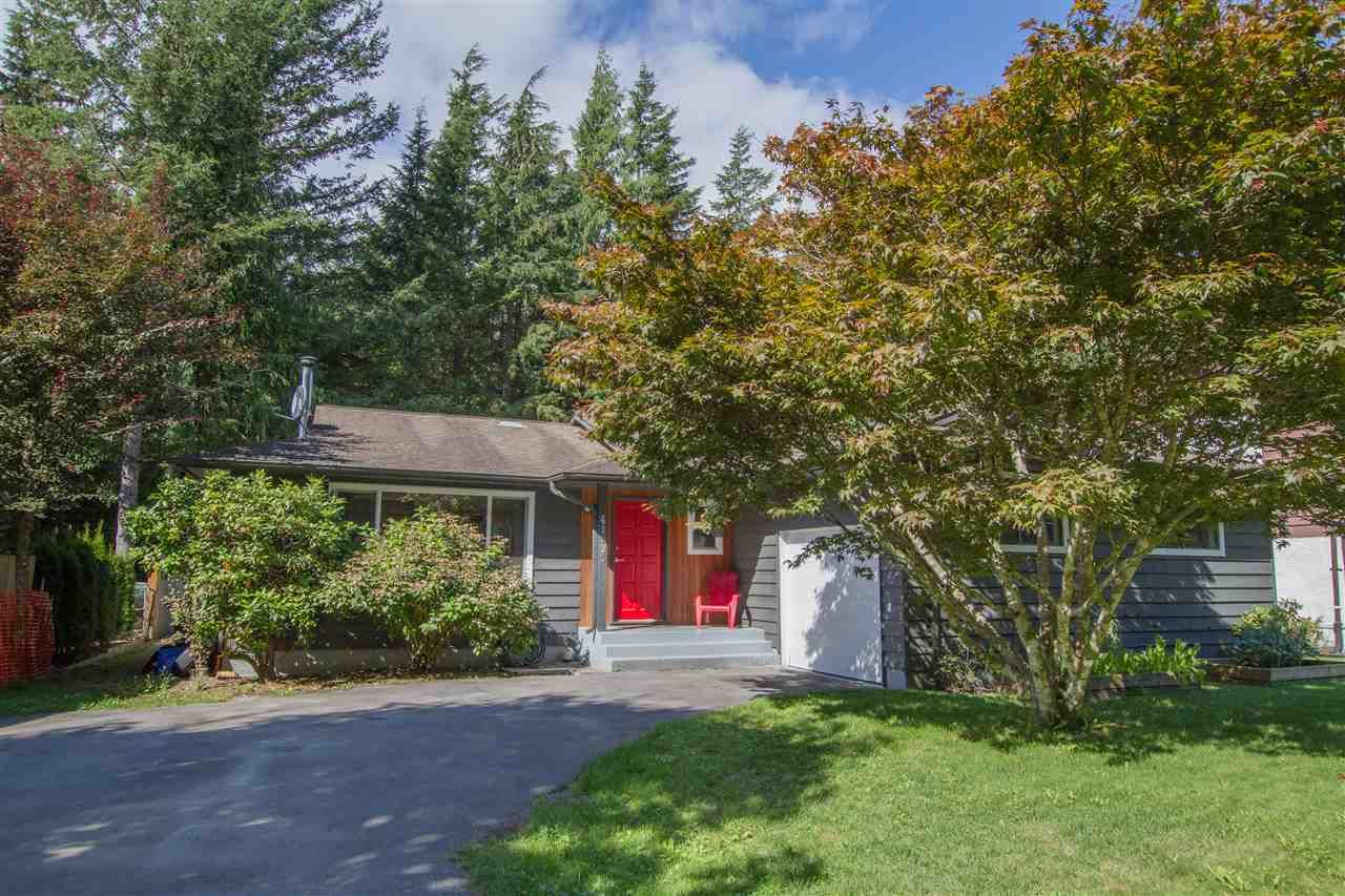 Photo 1: Photos: 41929 ROSS Road in Squamish: Brackendale House for sale : MLS®# R2514201