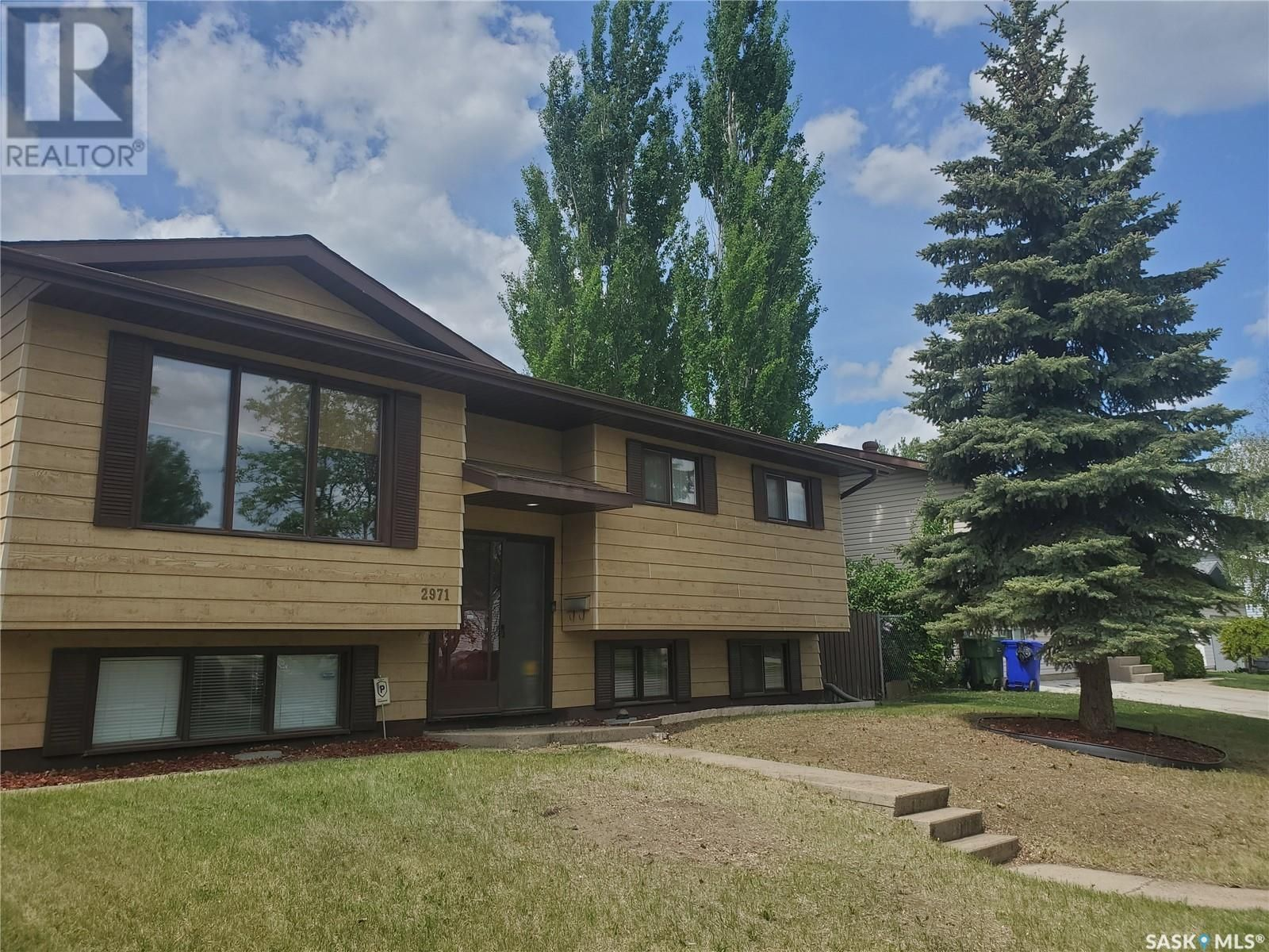 Main Photo: 2971 15th AVE E in Prince Albert: House for sale : MLS®# SK858755