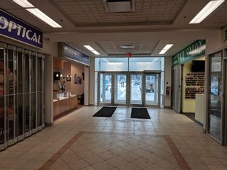 Photo 7: 115 1518 CENTRE Street NE in Calgary: Crescent Heights Retail for sale : MLS®# C4161727