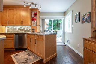 Photo 12: 542 Steenbuck Dr in : CR Campbell River Central House for sale (Campbell River)  : MLS®# 869480