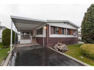 """Photo 1: 106 2303 CRANLEY Drive in Surrey: King George Corridor Manufactured Home for sale in """"Sunnyside"""" (South Surrey White Rock)  : MLS®# R2150906"""