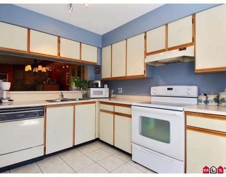 """Photo 2: 25 7560 138TH Street in Surrey: East Newton Townhouse for sale in """"Parkside"""" : MLS®# F2909640"""