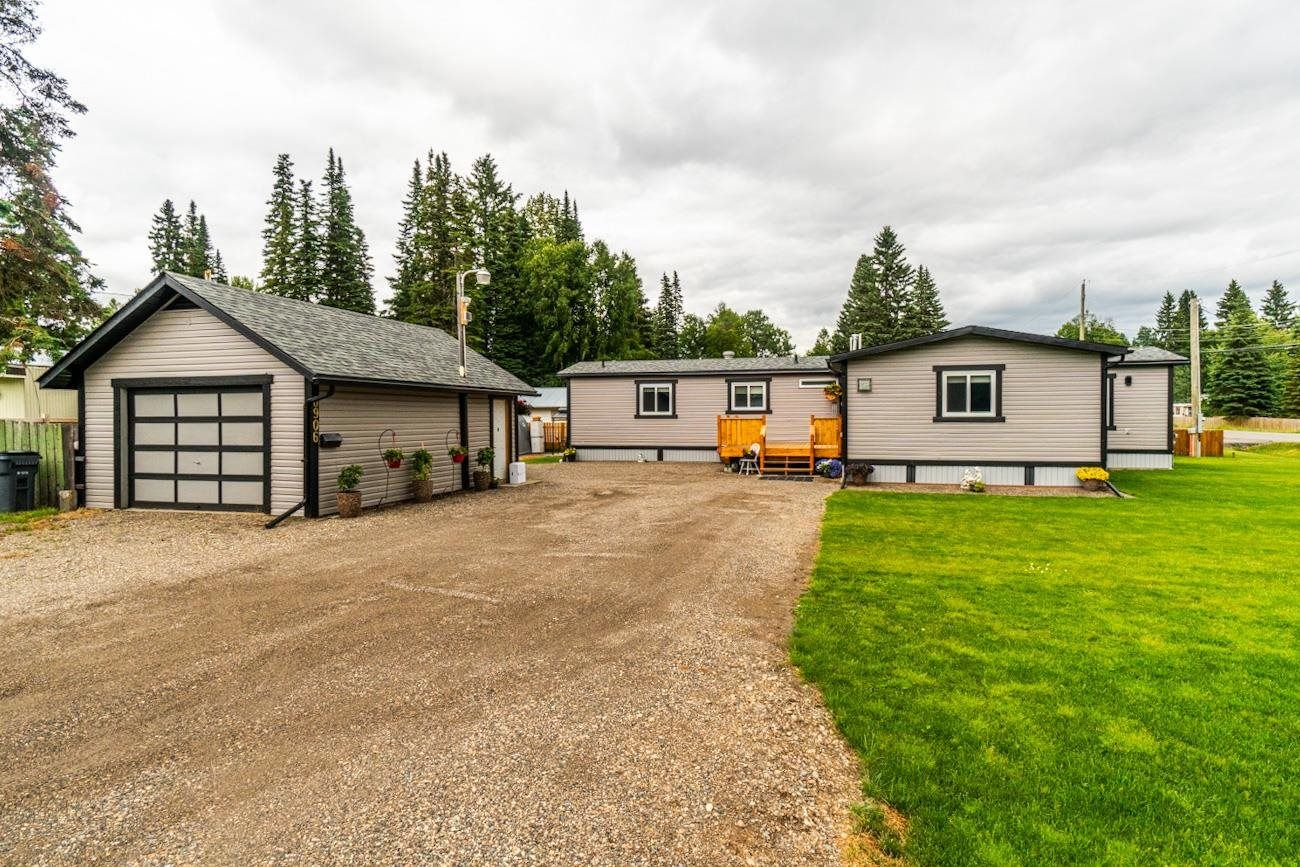 Main Photo: 6906 ADAM Drive in Prince George: Emerald Manufactured Home for sale (PG City North (Zone 73))  : MLS®# R2604406