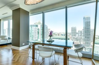 Photo 6: 2402 183 W Wellington Street in Toronto: Condo for lease (Toronto C01)  : MLS®# C3690976
