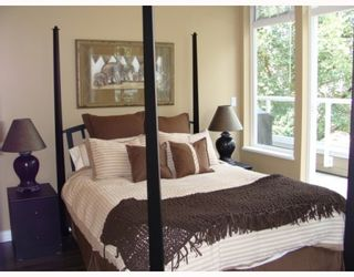 """Photo 7: 402 2628 YEW Street in Vancouver: Kitsilano Condo for sale in """"CONNAUGHT PLACE"""" (Vancouver West)  : MLS®# V784003"""