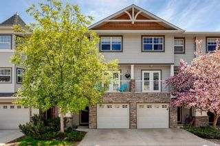 Photo 2: 126 Inglewood Grove SE in Calgary: Inglewood Row/Townhouse for sale : MLS®# A1119028