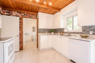 Photo 13: 946 CAITHNESS Crescent in Port Moody: Glenayre House for sale : MLS®# R2574147