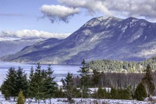 """Photo 3: 6192 HIGHMOOR Road in Sechelt: Sechelt District House for sale in """"The Shores"""" (Sunshine Coast)  : MLS®# R2341360"""