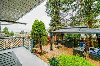 """Photo 31: 18055 64 Avenue in Surrey: Cloverdale BC House for sale in """"CLOVERDALE"""" (Cloverdale)  : MLS®# R2572138"""