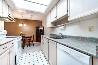 """Photo 10: 204 1360 MARTIN Street: White Rock Condo for sale in """"WEST WINDS"""" (South Surrey White Rock)  : MLS®# R2429363"""