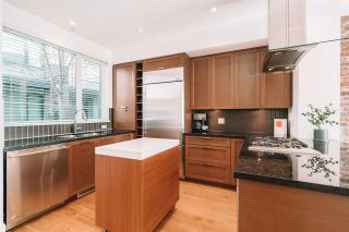 Photo 7: 20 230 SALTER Street in New Westminster: Queensborough Townhouse for sale : MLS®# R2570392