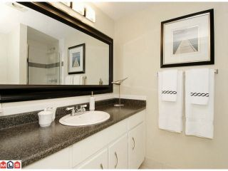 """Photo 6: 101 1458 BLACKWOOD Street: White Rock Condo for sale in """"Champlain Manor"""" (South Surrey White Rock)  : MLS®# F1022720"""