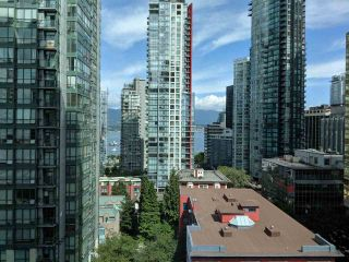 """Photo 4: 1203 1200 W GEORGIA Street in Vancouver: West End VW Condo for sale in """"RESIDENCES ON GEORGIA"""" (Vancouver West)  : MLS®# R2398739"""