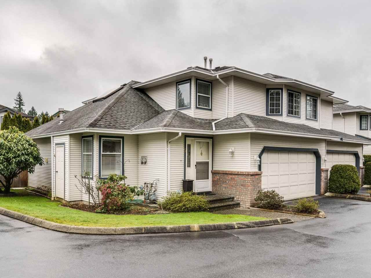 """Main Photo: 5 11534 207 Street in Maple Ridge: Southwest Maple Ridge Townhouse for sale in """"Brittany Court"""" : MLS®# R2439867"""