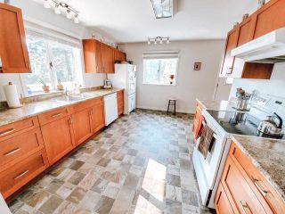 Photo 6: 5704 CARMEL Place in Sechelt: Sechelt District House for sale (Sunshine Coast)  : MLS®# R2504728