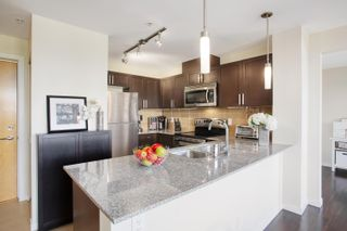 """Photo 8: 702 306 SIXTH Street in New Westminster: Uptown NW Condo for sale in """"AMADEO"""" : MLS®# R2618269"""