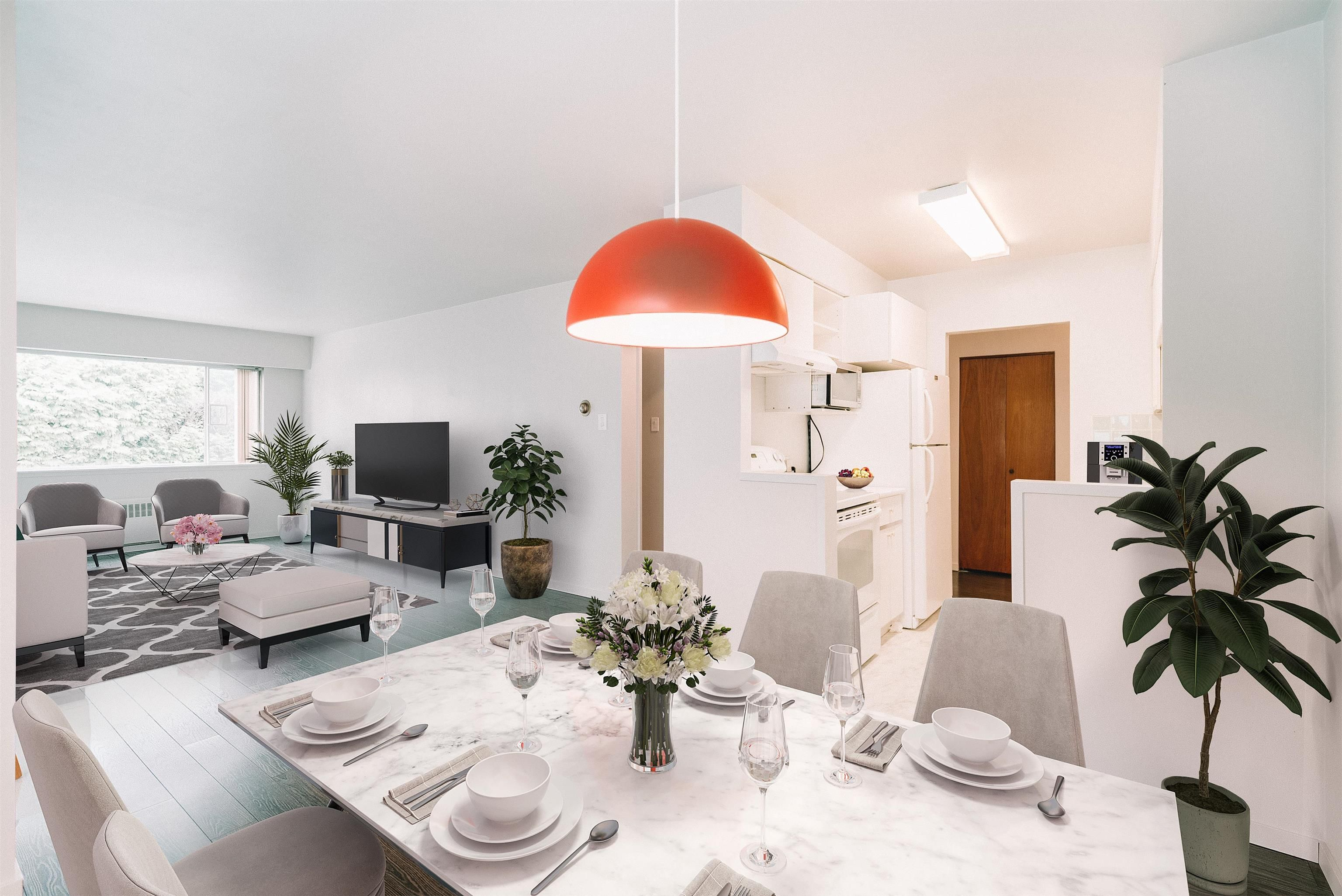 Expansive Dining & Livingroom virtually staged