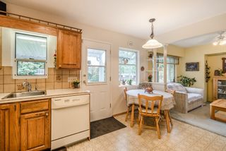 """Photo 4: 11502 96A Avenue in Surrey: Royal Heights House for sale in """"Royal Heights"""" (North Surrey)  : MLS®# R2154865"""