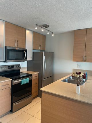 """Photo 10: 1801 909 MAINLAND Street in Vancouver: Yaletown Condo for sale in """"Yaletown Park 2"""" (Vancouver West)  : MLS®# R2625603"""