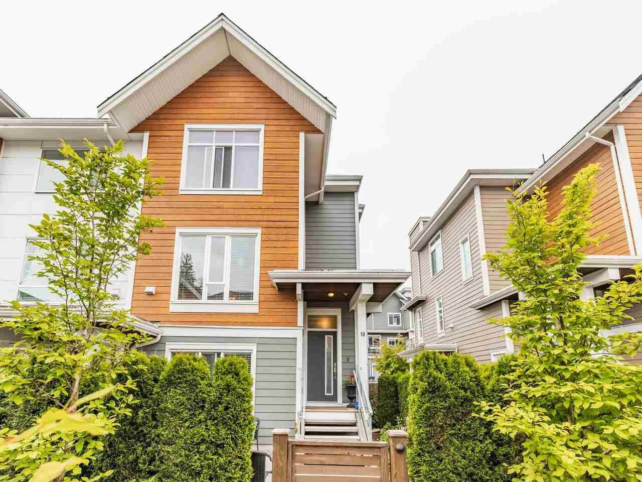 """Main Photo: 18 2978 159 Street in Surrey: Grandview Surrey Townhouse for sale in """"WILLSBROOK"""" (South Surrey White Rock)  : MLS®# R2589759"""