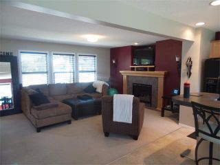 Photo 3: 732 PRESTWICK Circle SE in Calgary: McKenzie Towne House for sale : MLS®# C4019225