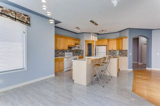 Photo 16: 132 Cresthaven Place SW in Calgary: Crestmont Detached for sale : MLS®# A1121487