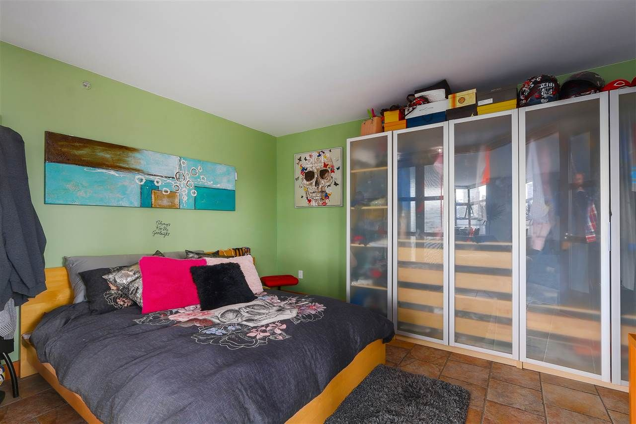 """Photo 14: Photos: 301 1630 W 1ST Avenue in Vancouver: False Creek Condo for sale in """"THE GALLERIA"""" (Vancouver West)  : MLS®# R2383041"""