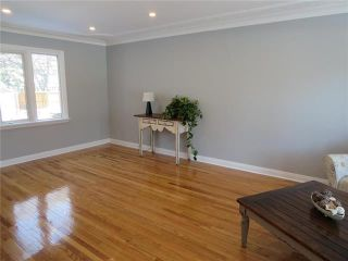 Photo 2: 549 Montrose Street in Winnipeg: River Heights Residential for sale (1D)  : MLS®# 1906558
