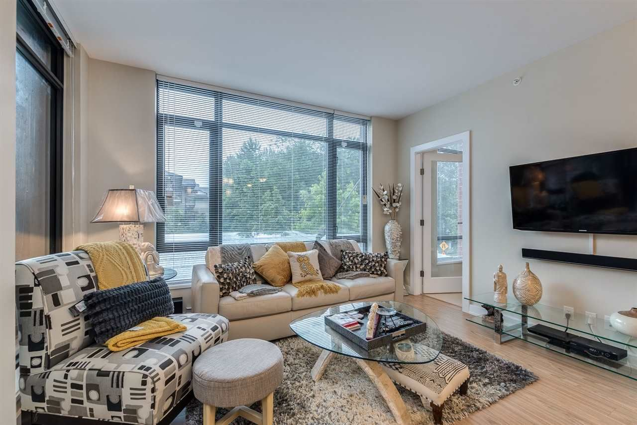 """Photo 6: Photos: 204 301 CAPILANO Road in Port Moody: Port Moody Centre Condo for sale in """"The Residences"""" : MLS®# R2474301"""