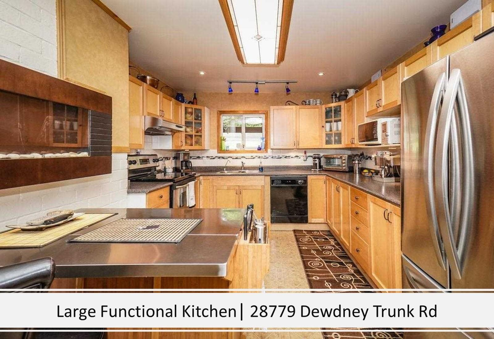 Photo 12: Photos: 28779 DEWDNEY TRUNK Road in Maple Ridge: Northeast House for sale : MLS®# R2597212