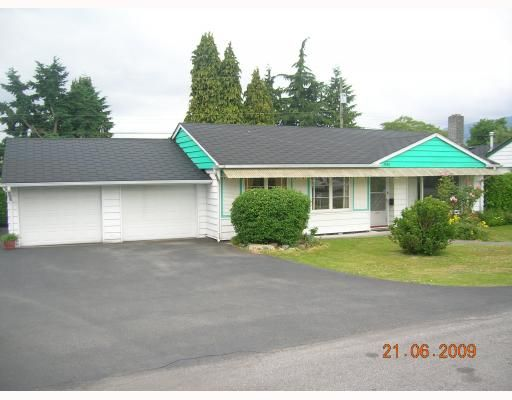 """Main Photo: 1381 COTTONWOOD Crescent in North Vancouver: Norgate House for sale in """"NORGATE"""" : MLS®# V772980"""