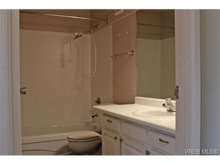Photo 11: 206 2341 Harbour Rd in SIDNEY: Si Sidney North-East Row/Townhouse for sale (Sidney)  : MLS®# 690395