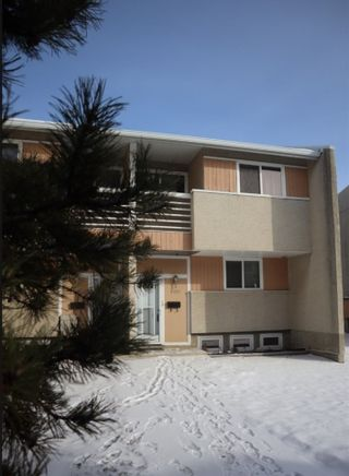 Photo 2: 8107 132A Avenue in Edmonton: Zone 02 Townhouse for sale : MLS®# E4229571