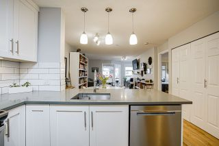 "Photo 3: 212 2181 W 12TH Avenue in Vancouver: Kitsilano Condo for sale in ""The Carlings"" (Vancouver West)  : MLS®# R2561909"