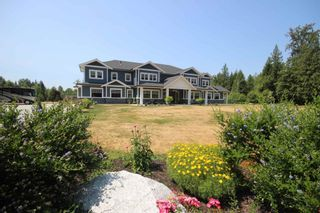 Photo 2: 9175 GILMOUR Terrace in Mission: Mission BC House for sale : MLS®# R2599394