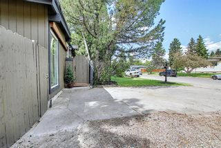 Photo 3: 20 Southampton Drive SW in Calgary: Southwood Detached for sale : MLS®# A1116477