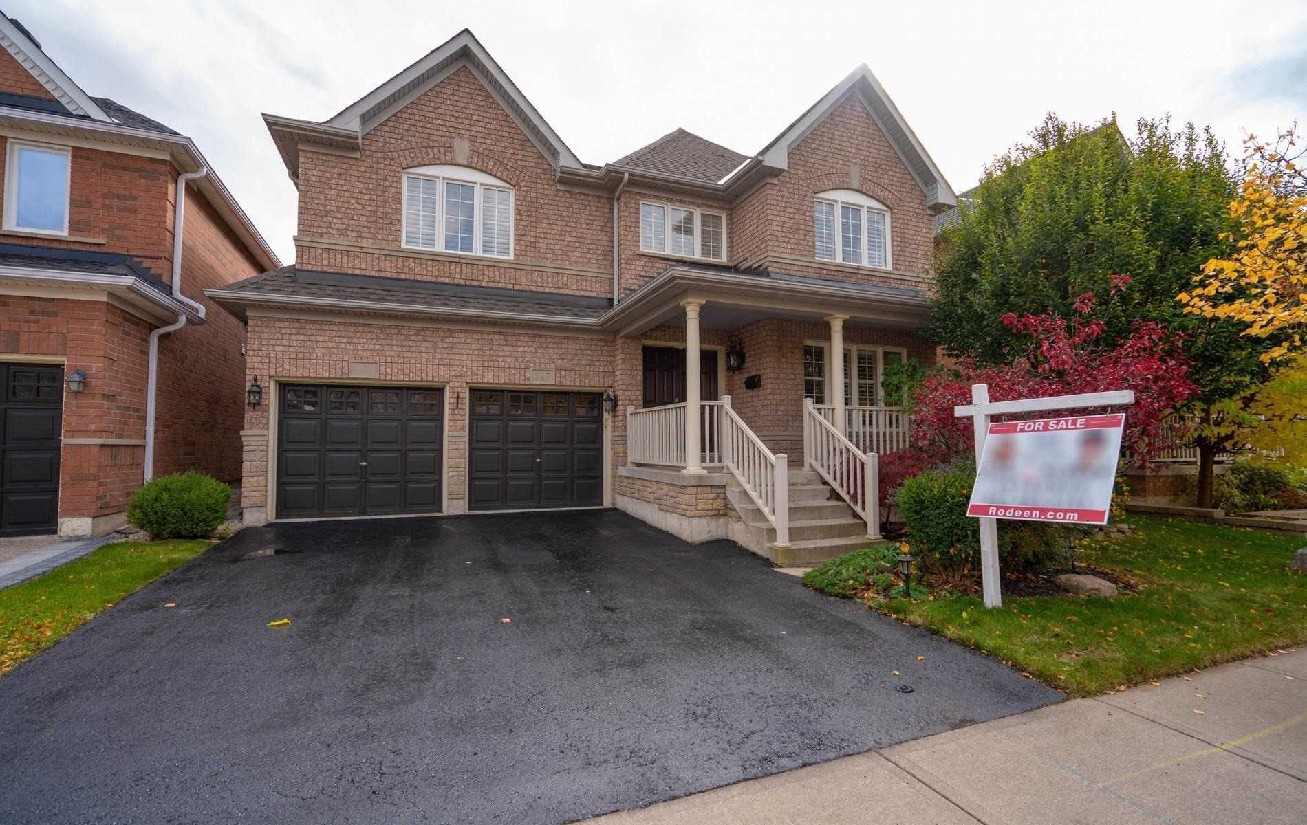 Main Photo: 527 Hartley Boulevard in Milton: Clarke House (2-Storey) for sale : MLS®# W4617262