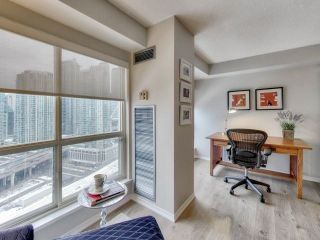 Photo 8: 25 The Esplanade Unit #2202 in Toronto: Waterfront Communities C8 Condo for sale (Toronto C08)  : MLS®# C4018167
