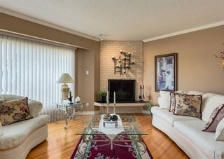 Photo 7: 425 Woodland Crescent SE in Calgary: Willow Park Detached for sale : MLS®# A1149903