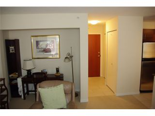 "Photo 5: 402 813 AGNES Street in New Westminster: Downtown NW Condo for sale in ""THE NEWS"" : MLS®# V825673"