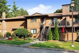 """Photo 1: 1005 10620 150 Street in Surrey: Guildford Townhouse for sale in """"Lincoln's Gate"""" (North Surrey)  : MLS®# R2505879"""