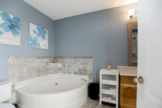 """Photo 17: 301 19130 FORD Road in Pitt Meadows: Central Meadows Condo for sale in """"Beacon's Square"""" : MLS®# R2032727"""